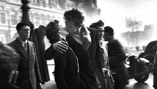 Amikor az első csók randi